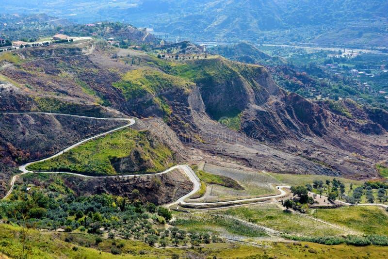 Panoramablick von Aspromonte-Bergen in Süd-Italien stockbilder