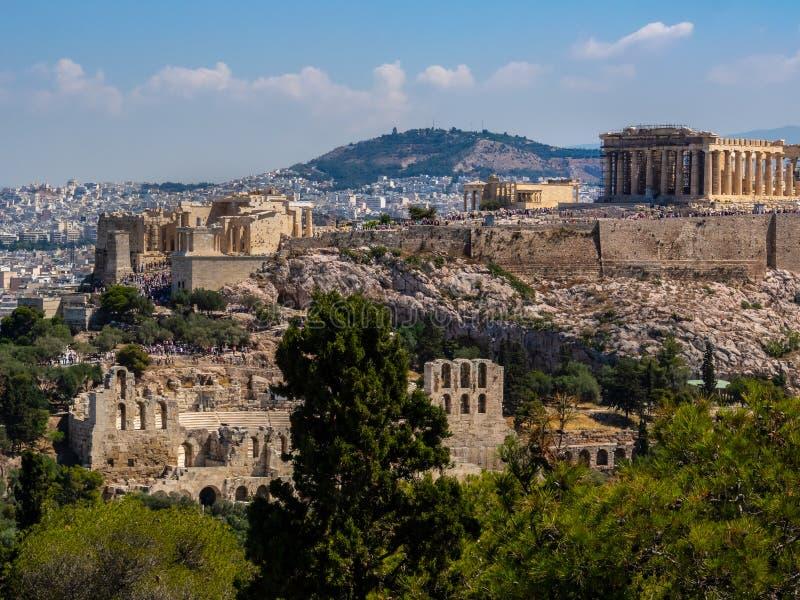 Panoramablick von Athen- und Akropolisschuß vom Hügel von Musen am klaren Sommertag lizenzfreie stockfotografie