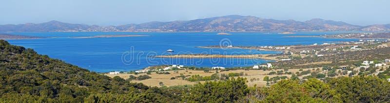 Panoramablick von Buchten und von Buchten in Paros-Insel lizenzfreie stockfotografie