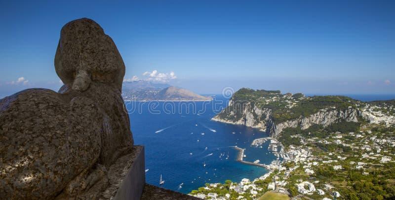 Panoramablick von Capri-Insel vom Landhaus San Michele in Anacapr stockfotos