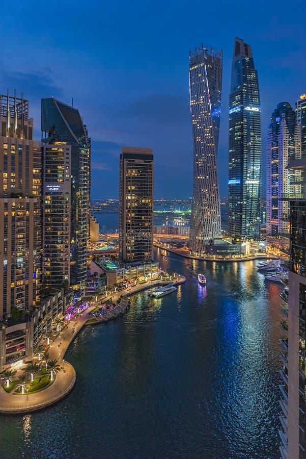 Panoramablick von Dubai-Jachthafen stockfotos
