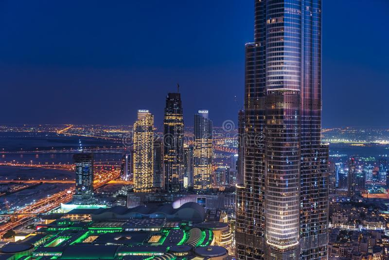 Panoramablick von Dubai-Skylinen stockbild