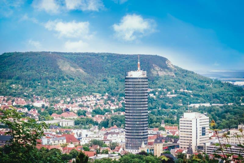 Panoramablick von H?geln, von alter Stadt und von Turm Jena, Deutschland stockfotos