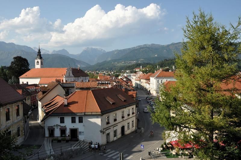Panoramablick von Kamnik, Slowenien stockbild