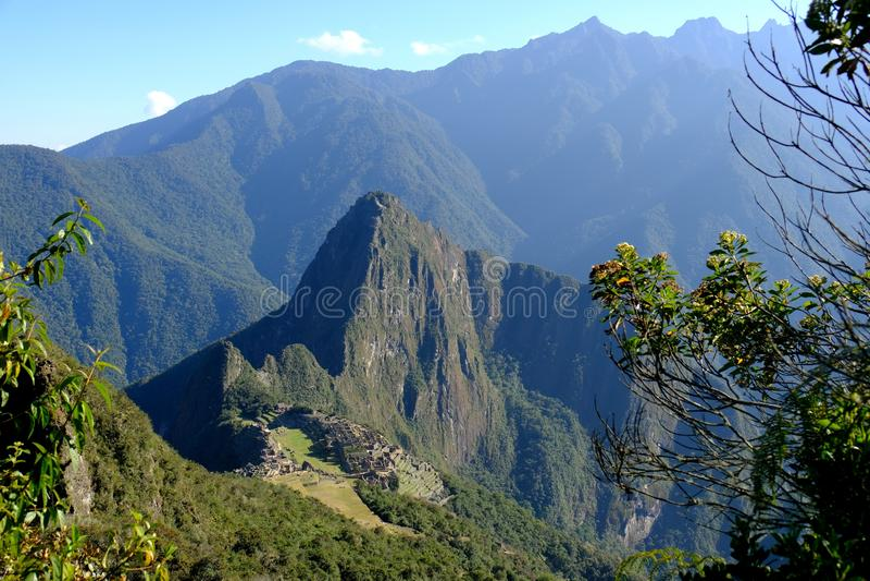Panoramablick von Machu Picchu von Berg Machu Picchu stockbilder