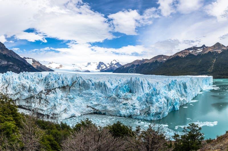 Panoramablick von Perito Moreno Glacier an Nationalpark Los Glaciares im Patagonia - EL Calafate, Santa Cruz, Argentinien lizenzfreie stockfotografie