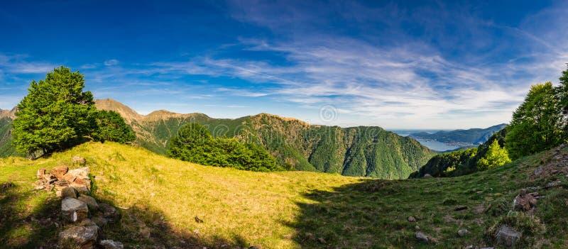 Panoramablick von Pian Cavallone und von Pizzo Pernice in Val Grande National Park stockfotos