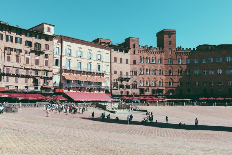 Panoramablick von Piazza Del Campo stockbild