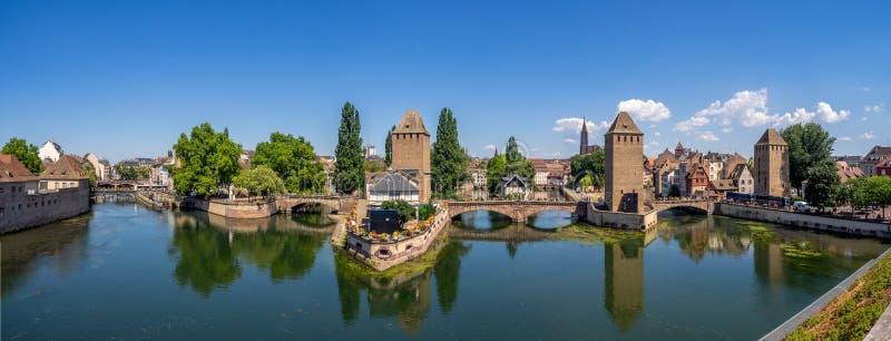 Panoramablick von Ponts Couverts, Straßburg lizenzfreies stockbild