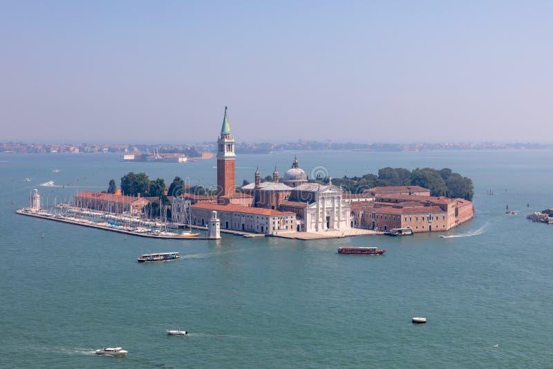 Panoramablick von San Giorgio Maggiore Island von St Mark Glockenturm lizenzfreie stockbilder