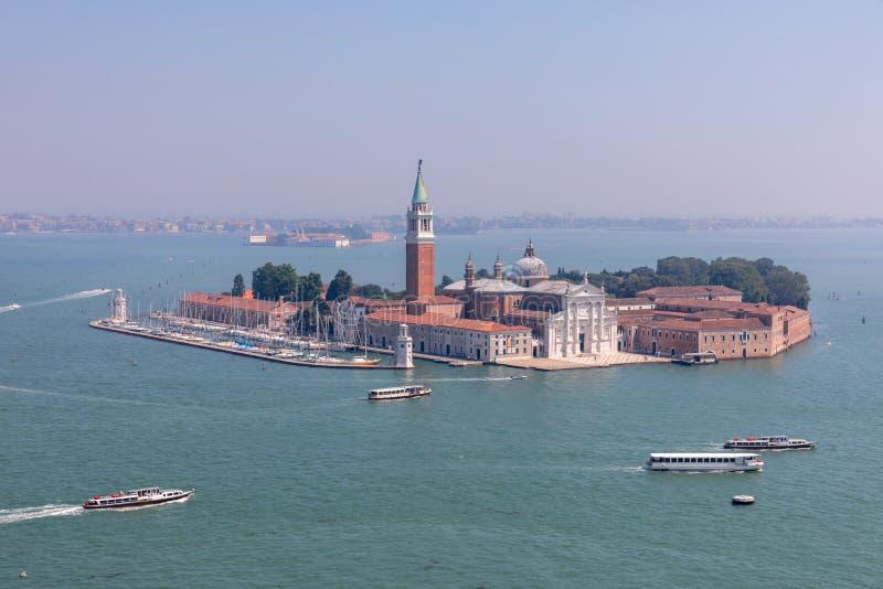 Panoramablick von San Giorgio Maggiore Island von St Mark Glockenturm stockfotos