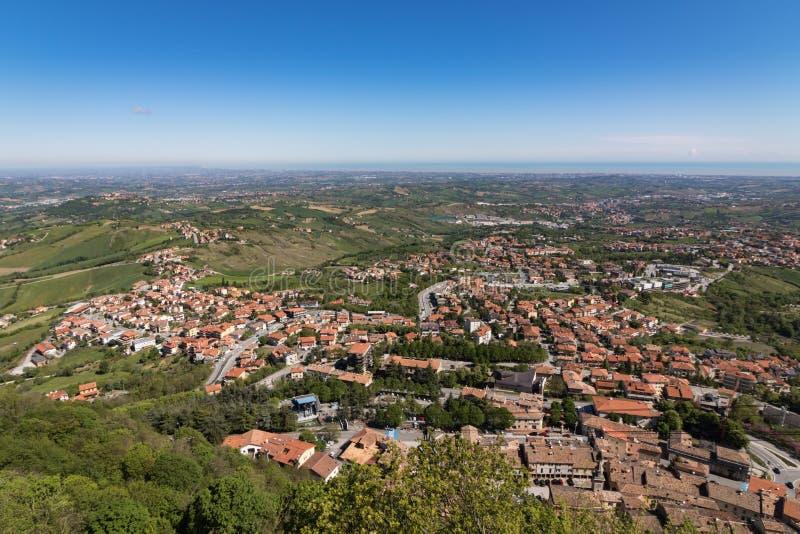 Panoramablick von San Marino lizenzfreie stockbilder