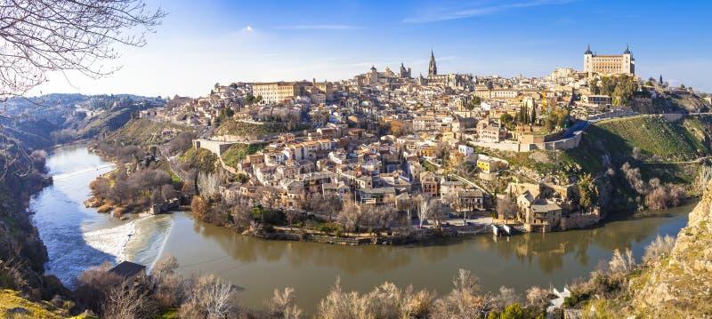 Panoramablick von schönem mittelalterlichem Toledo stockfotos
