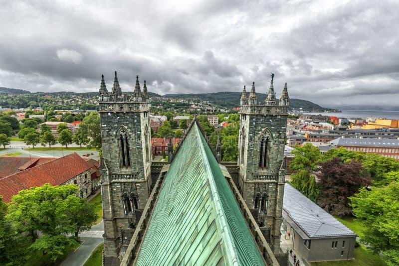 Panoramablick von Trondheim norwegen lizenzfreie stockfotografie