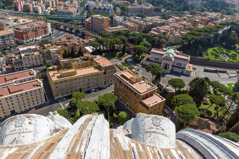 Panoramablick zu Vatikan und zur Stadt von Rom von der Haube von St- Peter` s Basilika, Italien stockfotos