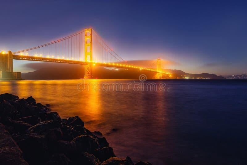 Panoramafoto van Golden gate bridge bij nacht, San Francisco royalty-vrije stock afbeelding