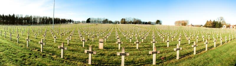 Panoramakyrkogården av franska tjäna som soldat från världskrig 1 i Targette
