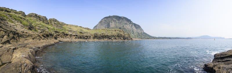 Panoramalandschaft von Yongmeori-Küste lizenzfreie stockfotos