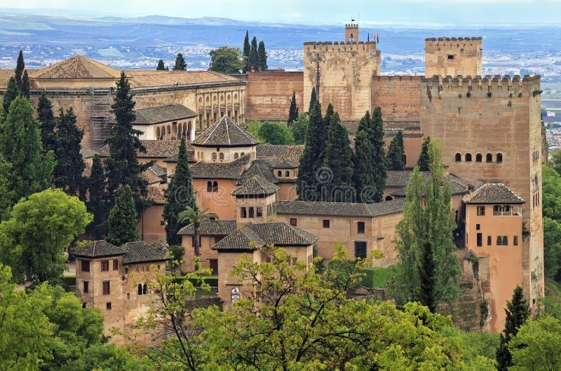 Panoramamening van Alhambra paleis zoals die van Generalife, Granada, Andalusia wordt gezien royalty-vrije stock afbeelding