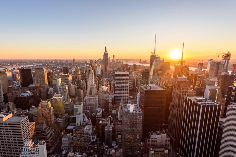 Panoramamening van de Uit het stadscentrum horizon van Manhattan met het Empire State Building van het Dek van de Rockefeller Cen stock fotografie