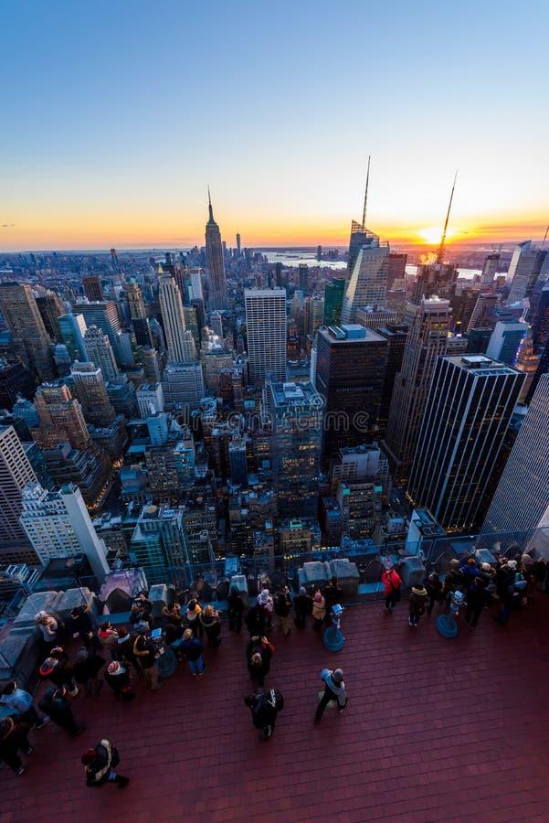 Panoramamening van de Uit het stadscentrum horizon van Manhattan met het Empire State Building van het Dek van de Rockefeller Cen royalty-vrije stock fotografie