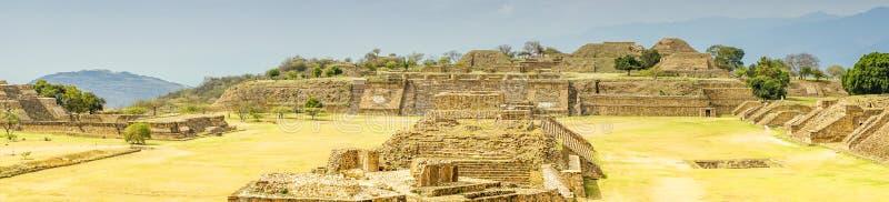 Panoramamening van Monte Alban - Oaxaca royalty-vrije stock afbeelding