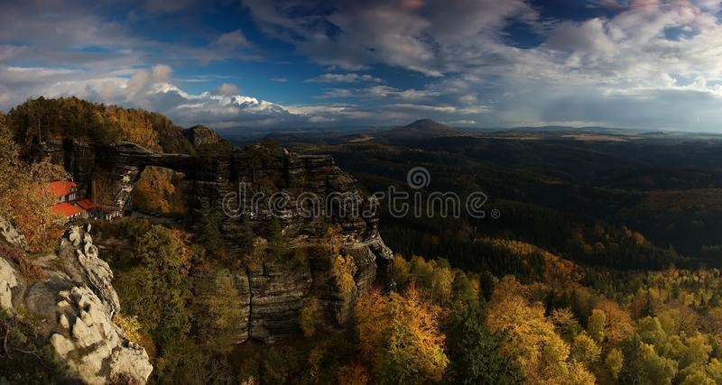 panoramapravcickarock arkivbilder