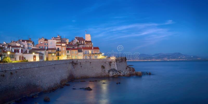 Panoramasicht auf Antibes, Frankreich stockbild