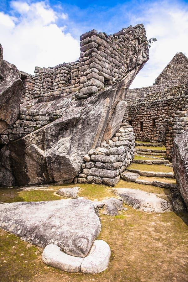 Panoramasicht auf die antike Stadt Machu Picchu in Peru lizenzfreie stockfotografie