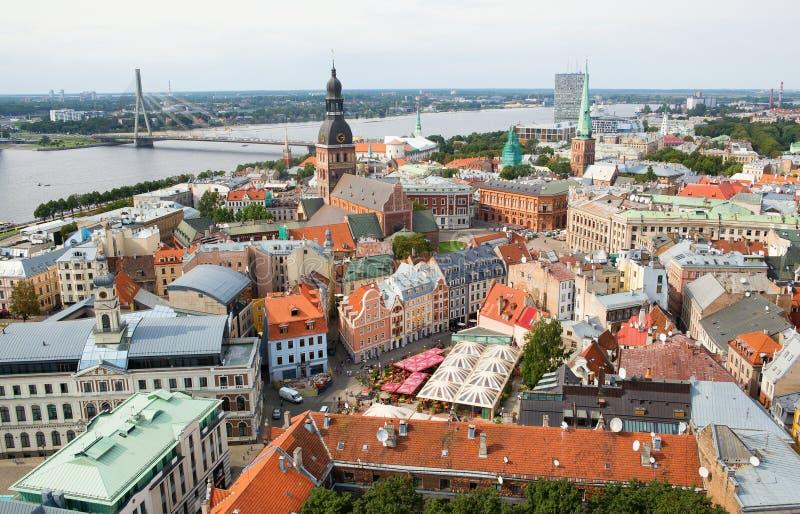 Panoramasikten av Riga arkivfoton
