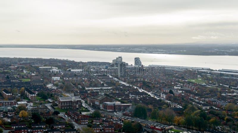 Panoramatisk vy över Liverpool - södra arkivbild