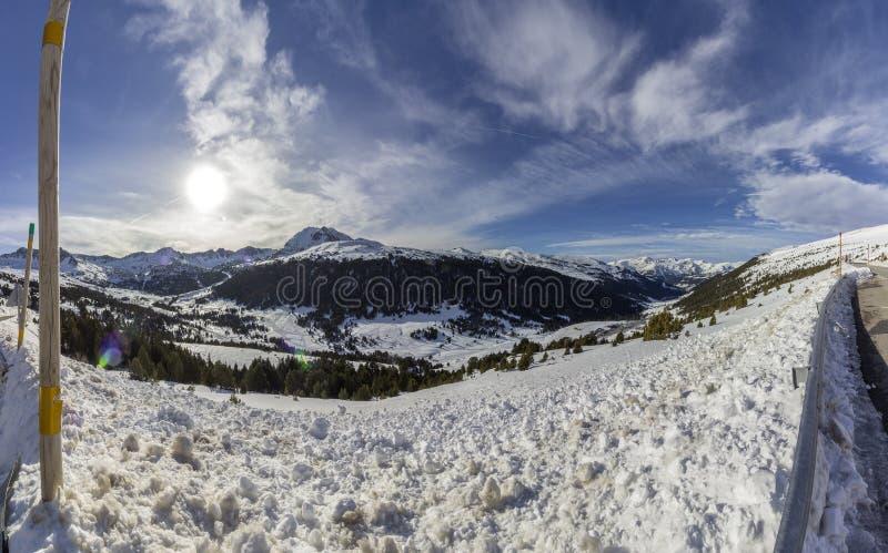 Panoramautsikt över pyrenees, berg, Andorra royaltyfria foton