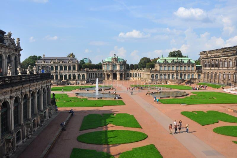 Panoramautsikt över Zwingeren av Dresden, Tyskland arkivbild