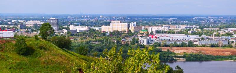 Panoramautsikt av branschområdet på Nizhny Novgorod arkivfoto