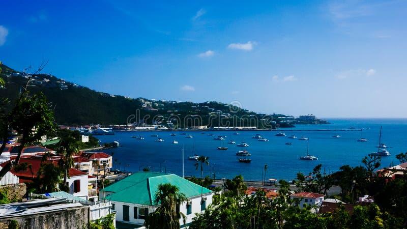 Panoramautsikt av Charlotte Amalie, USVI fotografering för bildbyråer