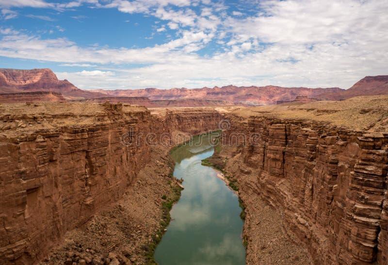 Panoramautsikt av Coloradofloden, marmorkanjon Arizona royaltyfri foto
