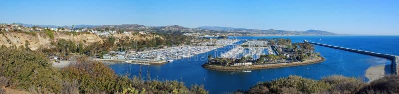 Panoramautsikt av Dana Point Harbor, sydliga Cali fotografering för bildbyråer