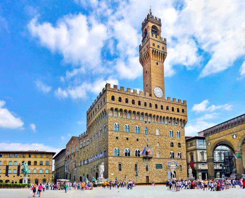 Panoramautsikt av den berömda piazzadellaen Signoria med Palazzo Vecchio i Florence, Tuscany, Italien arkivbilder