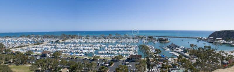 Panoramautsikt av den Dana Point hamnen, orange län - Kalifornien fotografering för bildbyråer