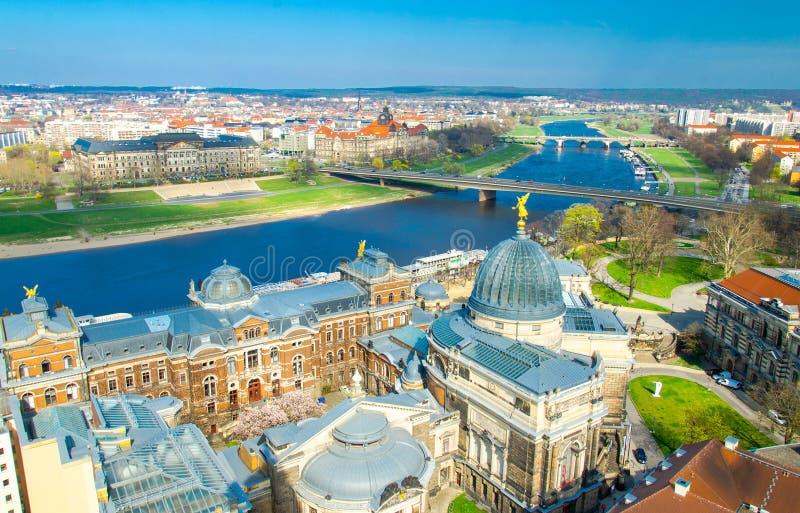Panoramautsikt av den Dresden staden från den lutheran kyrkan, Tyskland arkivfoto