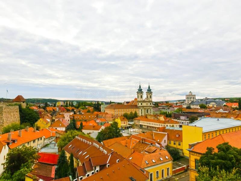 Panoramautsikt av den Eger staden i Ungern royaltyfria foton