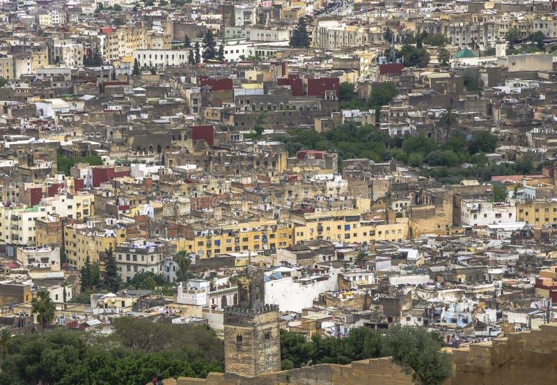 Panoramautsikt av den Fez Fes mitten, Marocko royaltyfria bilder