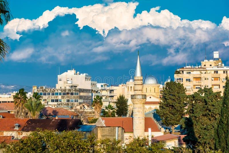 Panoramautsikt av den gamla delen av den Limassol staden cyprus arkivbilder