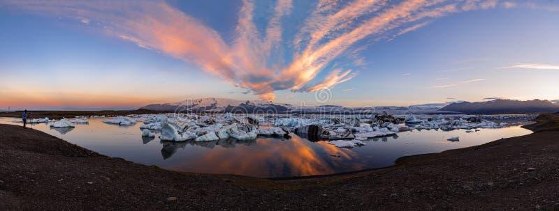 Panoramautsikt av den Jokulsarlon glaciärlagun Vatnajokull nationalpark, Island sommar arkivfoton