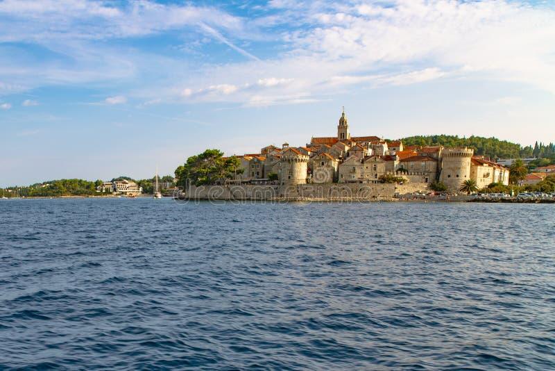 Panoramautsikt av den Korcula staden, Korcula ö, Dalmatia, Kroatien fotografering för bildbyråer