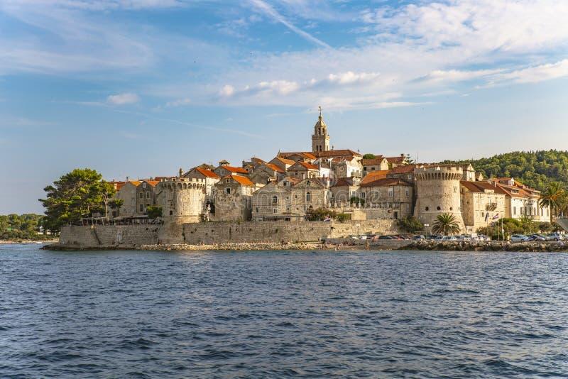 Panoramautsikt av den Korcula staden, Korcula ö, Dalmatia, Kroatien royaltyfria bilder