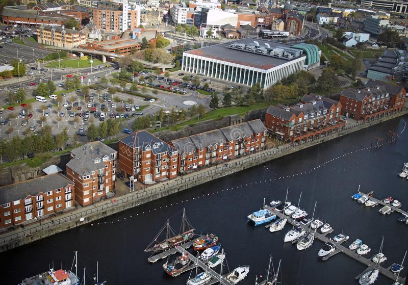 Panoramautsikt av den maritima fjärdedelen i Swansea, Wales, UK arkivbild