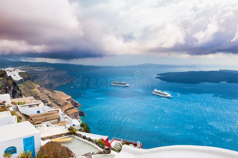 Panoramautsikt av den Santorini ön, Grekland arkivfoto
