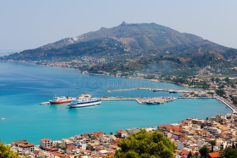 Panoramautsikt av den Zante staden med dess marina, Zakynthos ö, Grekland fotografering för bildbyråer