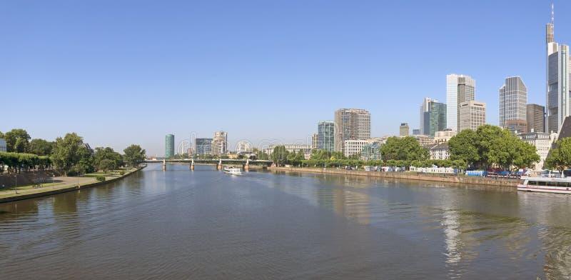 Panoramautsikt av Frankfurt - f arkivfoto